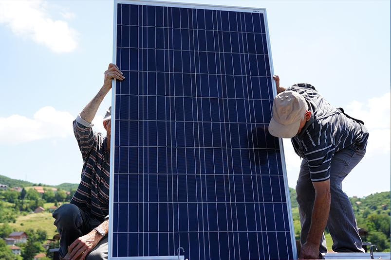 install-solar-panels-2
